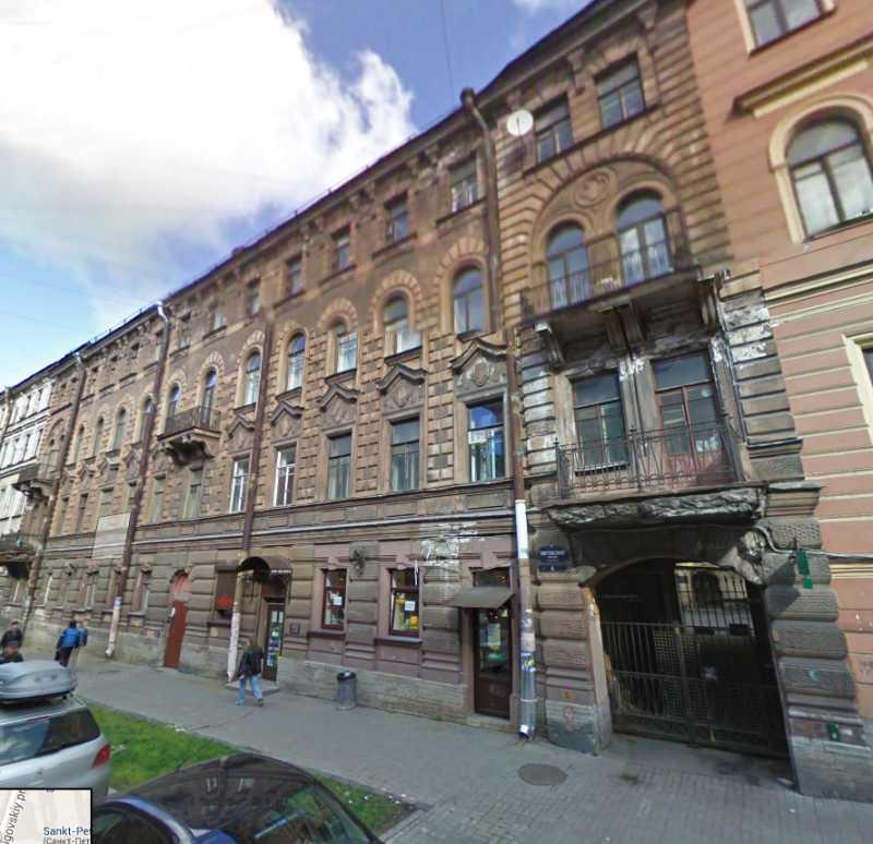 В березні-квітні 1914 р., перебуваючи у Санктпетербурзі (Росія), М. С. Грушевський зупинився у будинку по Ліговському провулку, 4.