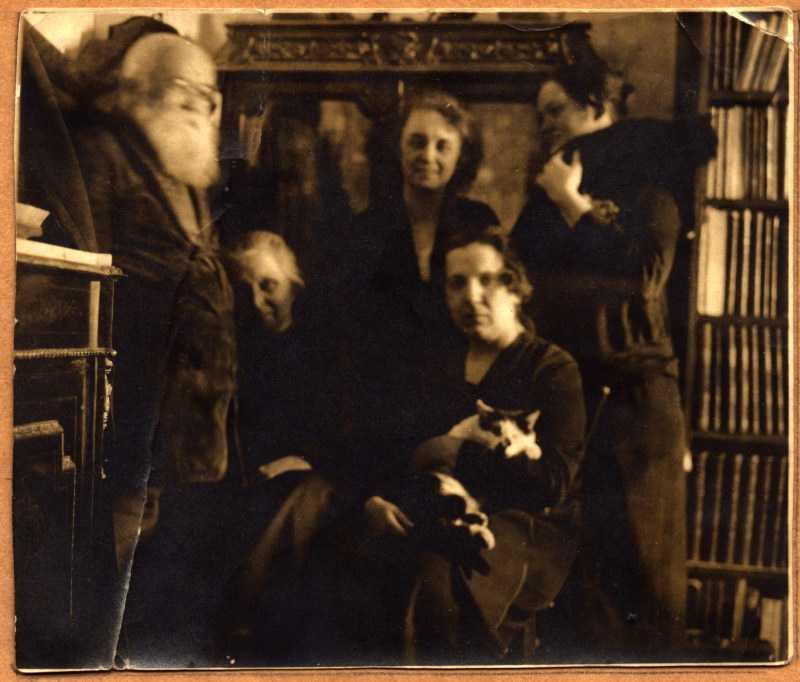 Михаил Грушевский с семьей - фото сер.…