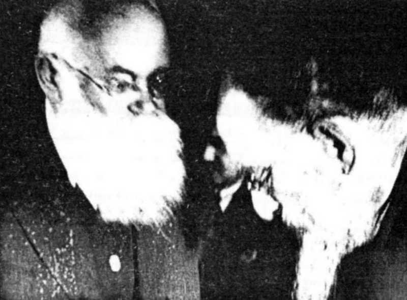 М.Грушевський (ліворуч) і М.Скрипник -…